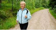 woman with osteoarthritis knee pain walking