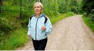 woman with osteoarthritis knee pain walking